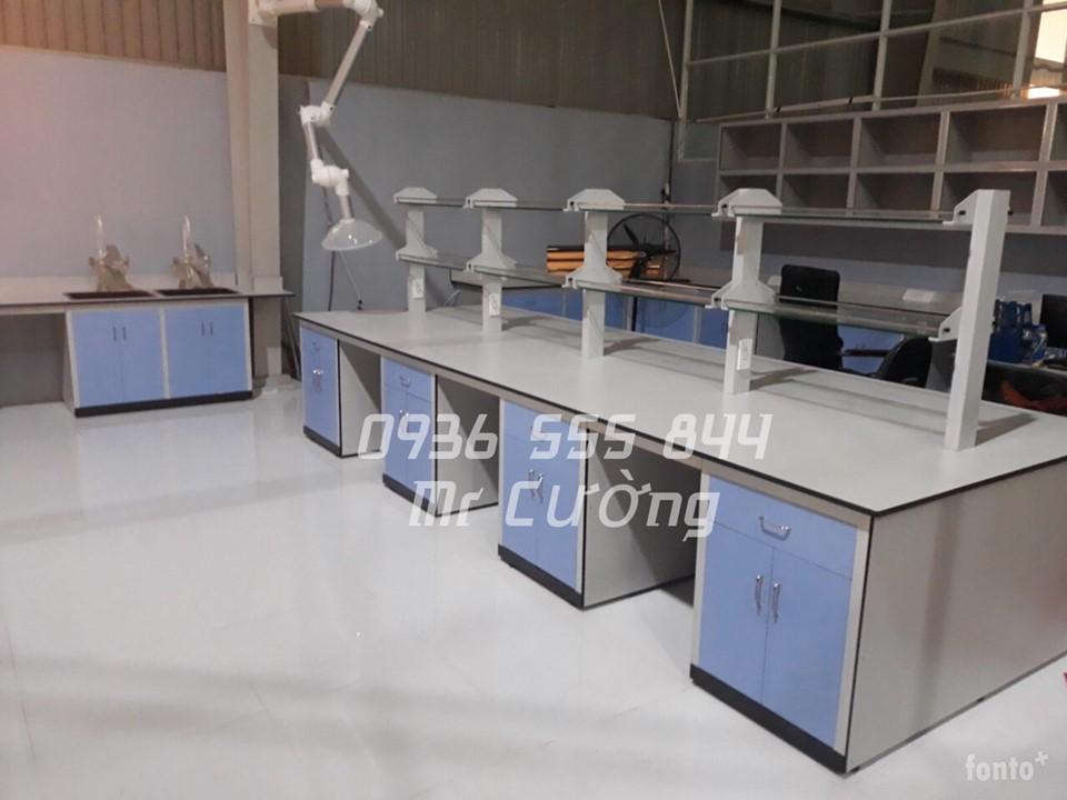 Bàn thí nghiệm trung tâm 1